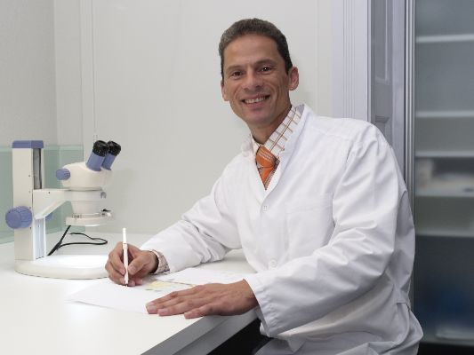 dokter plinck , tricholoog, haarkliniek